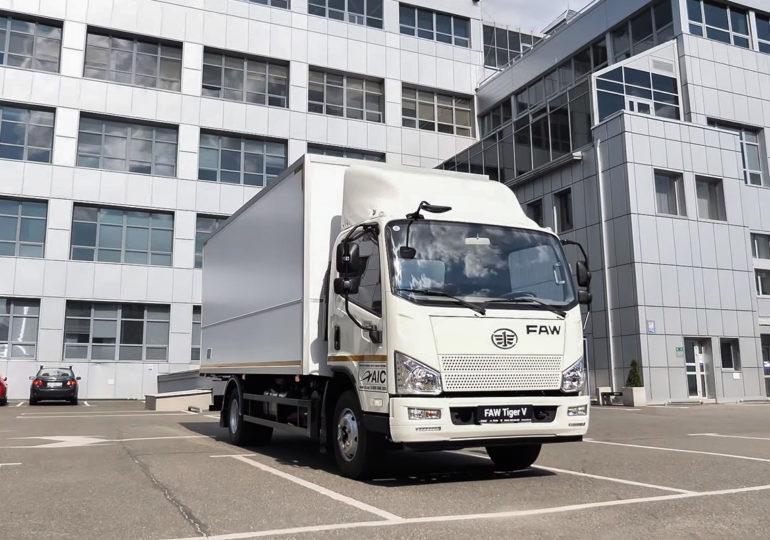 В Кременчуці запустили у виробництво середньотонажний фургон  FAW Tiger V