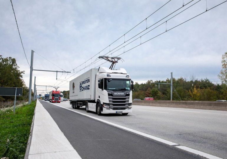 Великобританія хоче електрифікувати всі дороги для «вантажівок-тролейбусів»