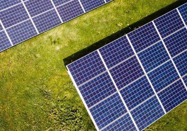 У Івано-Франківську відкриють дві зарядні електростанції із сонячними панелями