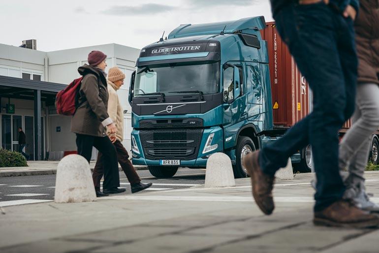 Компанія Volvo Trucks першою впровадила голосовий помічник Amazon Alexa в нові вантажівки