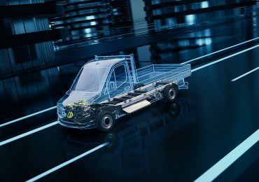 Mercedes-Benz анонсувала новий електричний eSprinter