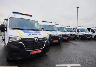 В рамках Державної програми безпеки руху Нацполіція отримала 30 нових машин-техстанцій