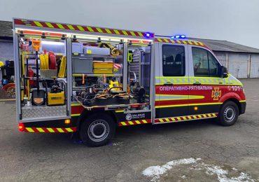 ДСНС України отримала 10 аварійно-рятувальних машин середнього типу