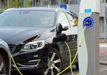 Не в Україні: Польща побудує мережу станцій для заправки електричних та водневих автомобілів