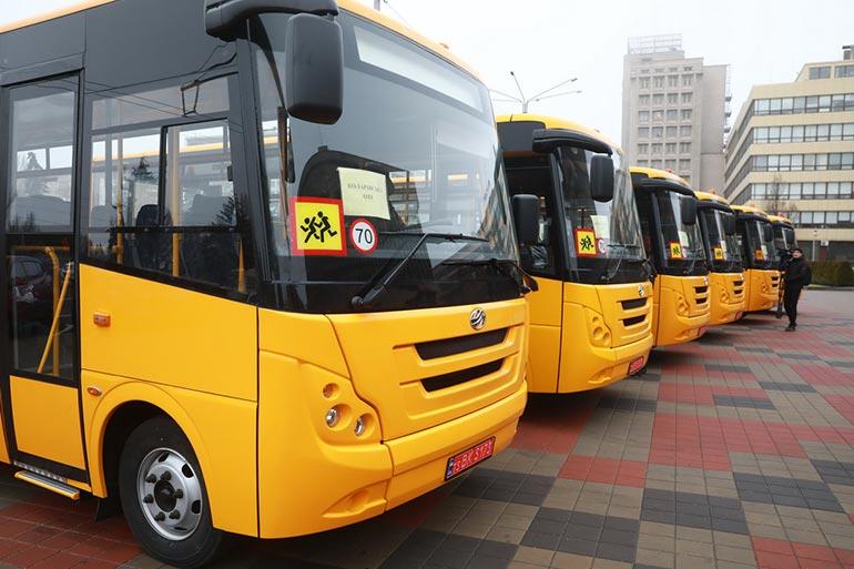 ЗАЗ виконав замовлення на поставку 30 шкільних автобусів для Запорізької області
