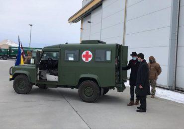 Збройні сили України отримали від Латвії 7 броньованих LAND ROVER