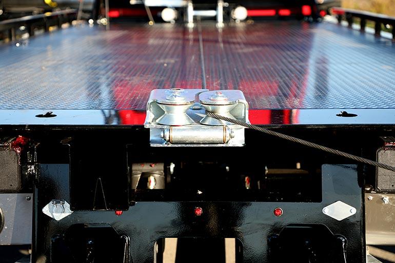 Miller Industries пропонує рішення для евакуації автомобіля під кутом 180 градусів