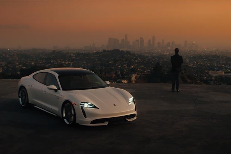 Шедеври реклами. Хто крутіший: Porsche Taycan чи Cadillac LYRIQ
