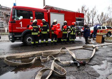 Пожежні машини у Запоріжжі стали свідками зворушливої події