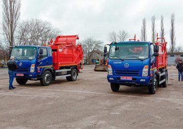 Два новенькі сміттєвози працюватимуть в місті Ізмаїлі