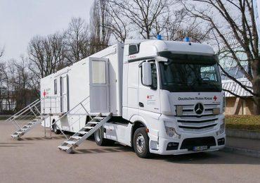 Mercedes-Benz Actros використовується як мобільна лабораторія для щеплень від COVID-19