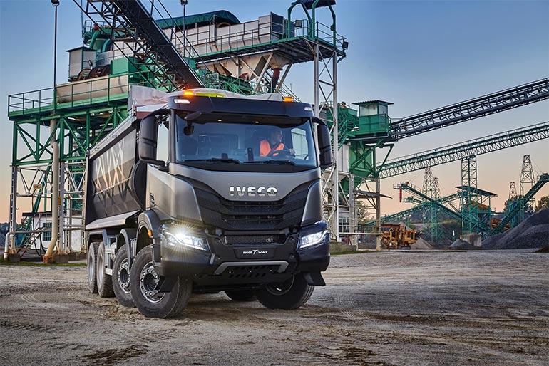 IVECO представляє нову потужну вантажівку T-Way для позашляхових умов