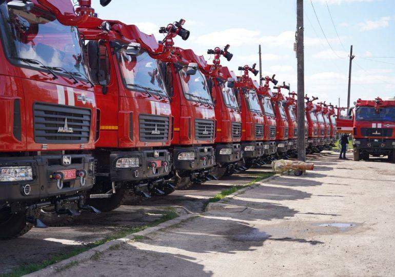 Нові пожежні автоцистерни АЦ-12-100 (6302)-252М передані замовнику