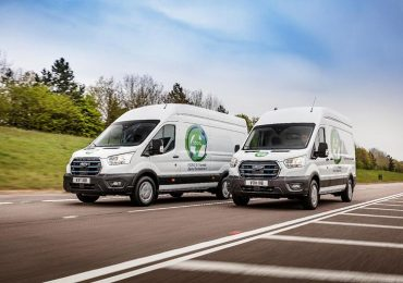 Електричний фургон Ford E-Transit готується до випробувань в Європі