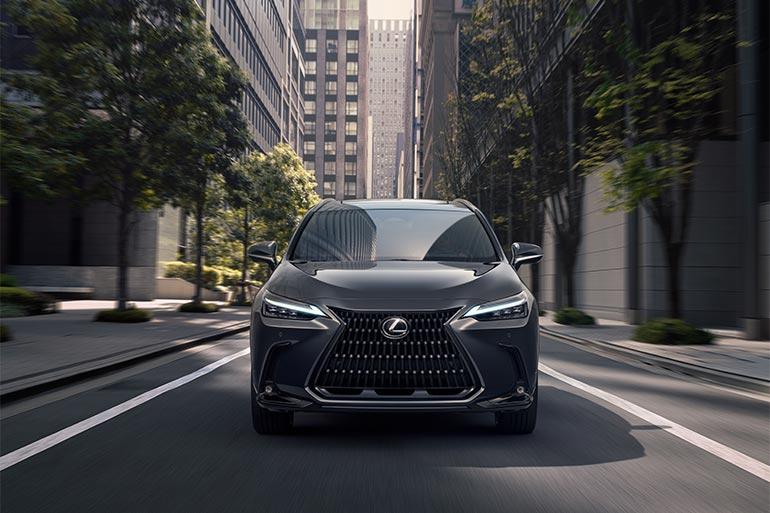 Нове покоління кросовера Lexus NX: плагін-гібрид та кардинальне оновлення інтер'єру