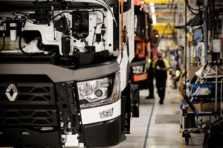 Як створюються вантажівки RENAULT TRUCKS. Онлайн екскурсія на завод