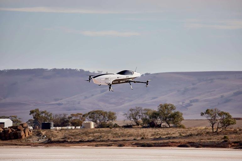 Летючий гоночний електромобіль успішно пройшов випробовування в Австралії