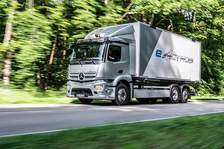 Mercedes-Benz Trucks презентували свою першу повністю електричну серійну вантажівку eActros