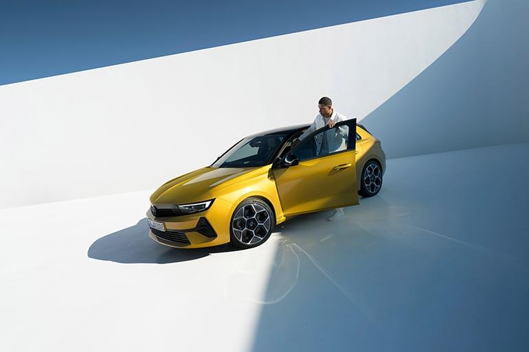 Opel Astra вперше стає електрифікованою