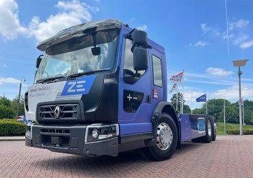 Електричні вантажівки Renault поповнила нова модель з низькою кабіною