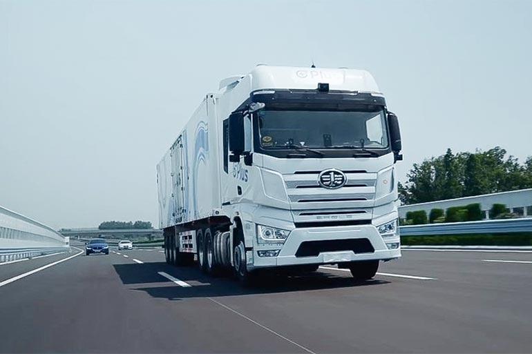 У США почали тестувати вантажівку з автопілотом 4 рівня