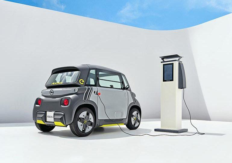 Електричний двомісний Opel Rocks-e — для тих, хто прагне мобільності в умовах міста