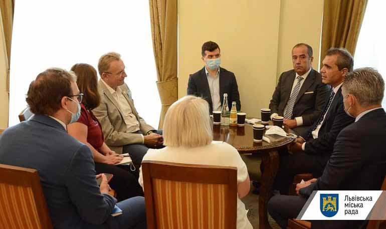 У Львові обговорили створення виробництва електрокарів із представниками турецької компанії Otokoc Ukraine