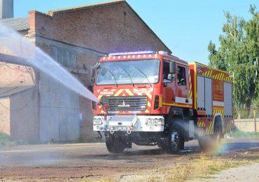 ПОЖМАШИНА виготовила нову міську пожежну автоцистерну важкого класу